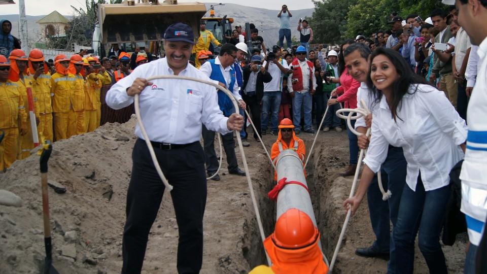 MINISTERIO DE VIVIENDA INICIA OBRA DE AGUA POTABLE POR S/. 73 MILLONES EN CAMANÁ